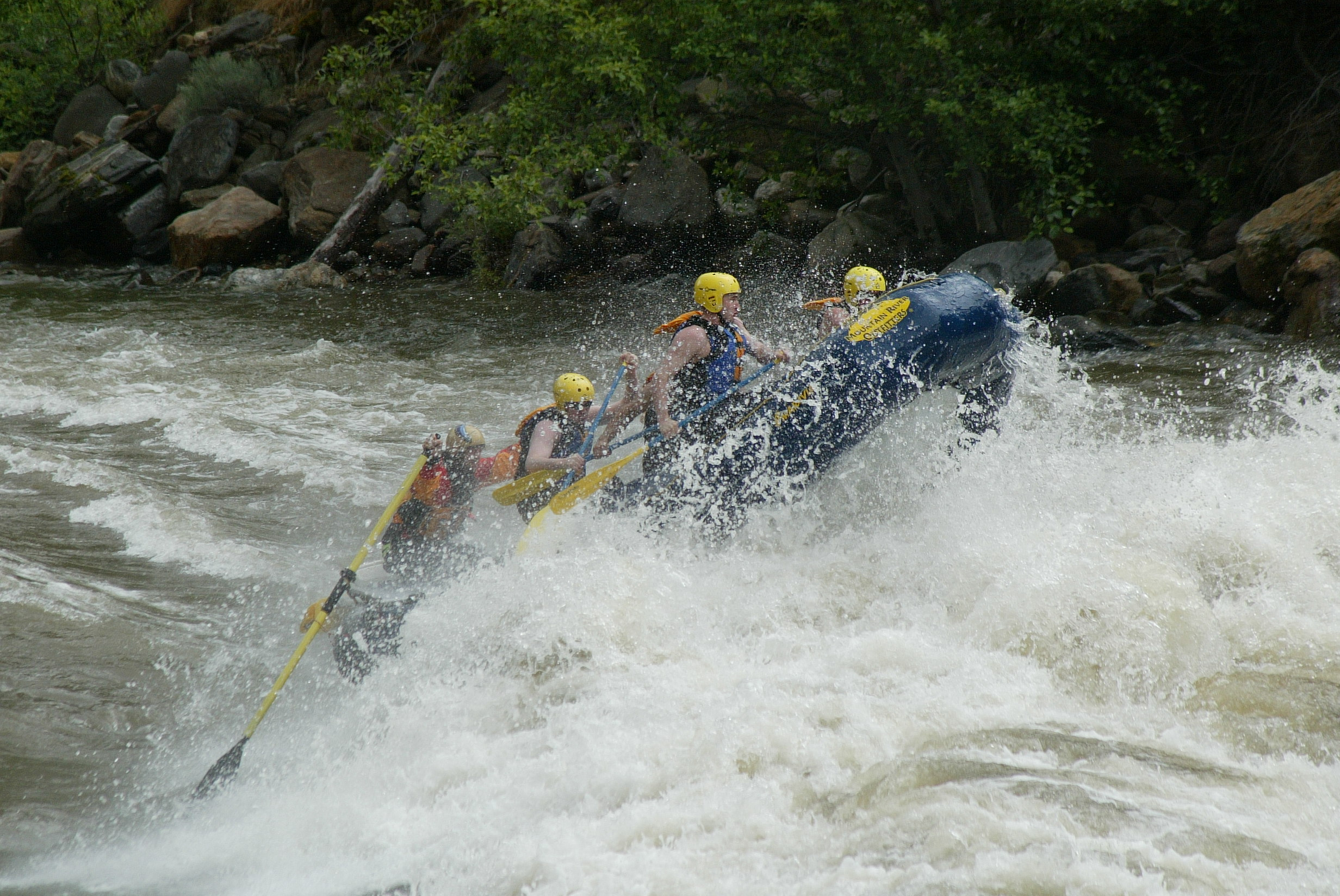 15 and 16 foot whitewater raft comparison shootout — Seattle