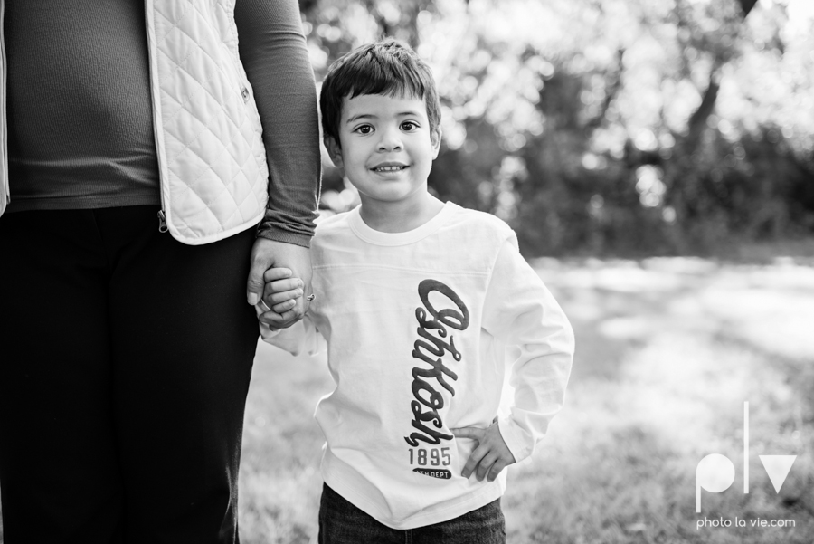 Alvarado Valdez Christmas Family Portrait Session Rose Park Mansfield boy field grass Sarah Whittaker Photo La Vie-2.JPG