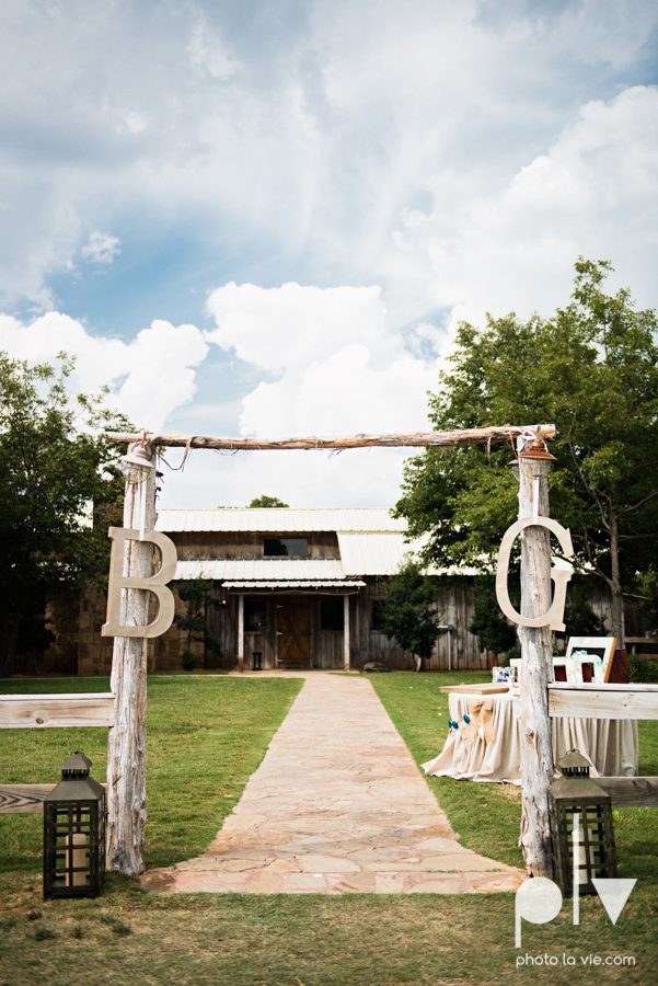 Brittany Garrett Simmons Wedding Weatherford Lucia Bitnar Foster Blue barn rustic blue dessert Sarah Whittaker Photo La Vie-6.JPG