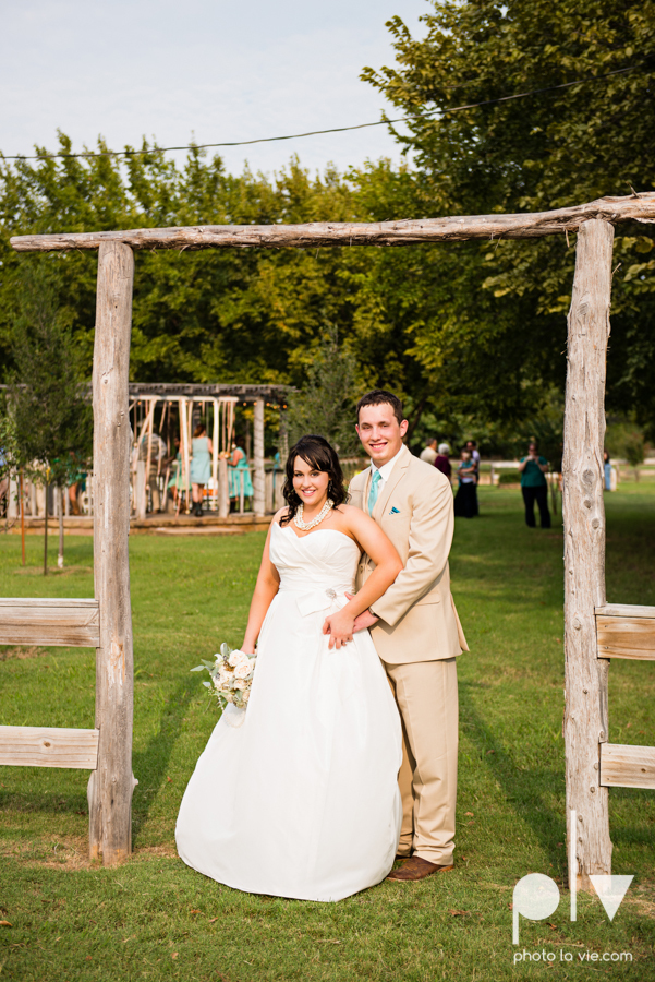 Brittany Garrett Simmons Wedding Weatherford Lucia Bitnar Foster Blue barn rustic blue dessert Sarah Whittaker Photo La Vie-28.JPG