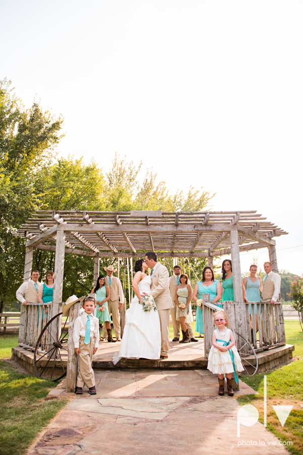 Brittany Garrett Simmons Wedding Weatherford Lucia Bitnar Foster Blue barn rustic blue dessert Sarah Whittaker Photo La Vie-30.JPG