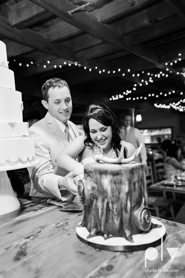 Brittany Garrett Simmons Wedding Weatherford Lucia Bitnar Foster Blue barn rustic blue dessert Sarah Whittaker Photo La Vie-39.JPG