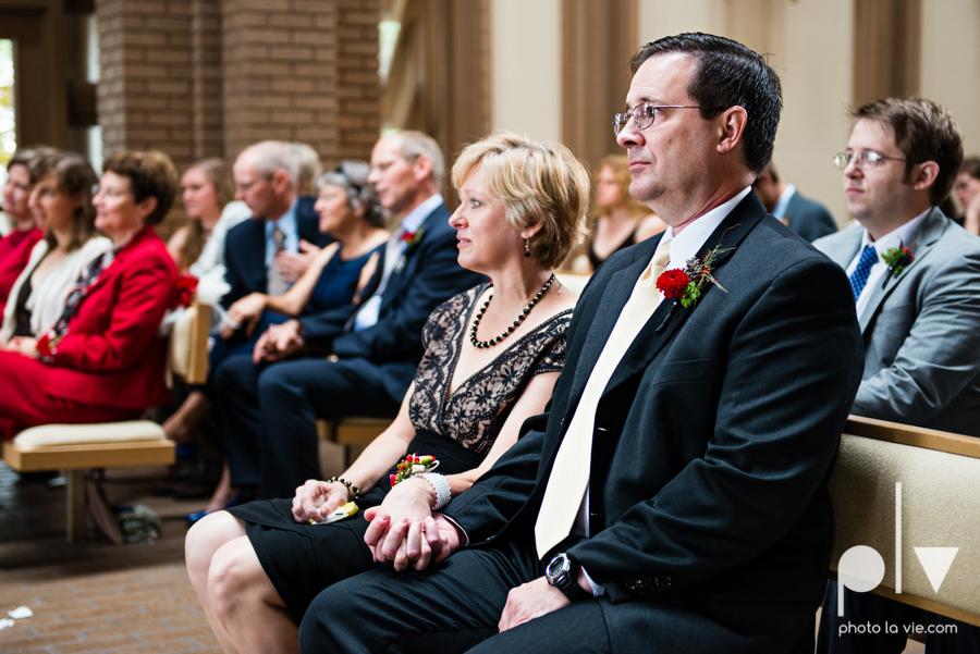Samantha Arild Ben Wedding Fort Worth Marty Leonard Chapel Ball Eddleman House red lace architecture apple navy Sarah Whittaker Photo La Vie-25.JPG