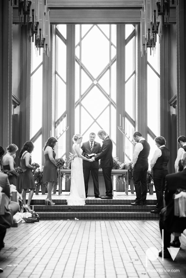 Samantha Arild Ben Wedding Fort Worth Marty Leonard Chapel Ball Eddleman House red lace architecture apple navy Sarah Whittaker Photo La Vie-28.JPG
