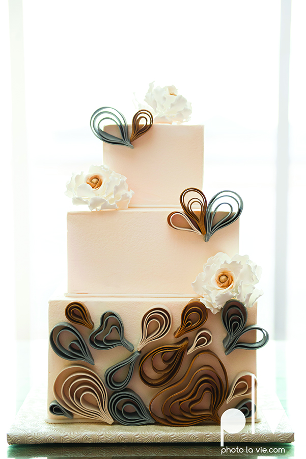 A Quilled Cake Creme De La Creme Fort Worth Bakery Wedding Custom Sarah Whittaker Photo La Vie.jpg