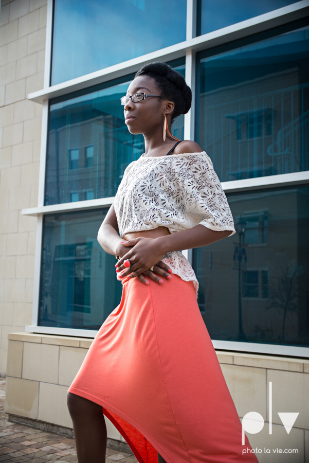 Nyeisha Graduation Portrait Session coral cap gown campus UTA texas Photo La Vie by Sarah Whittaker-4.JPG
