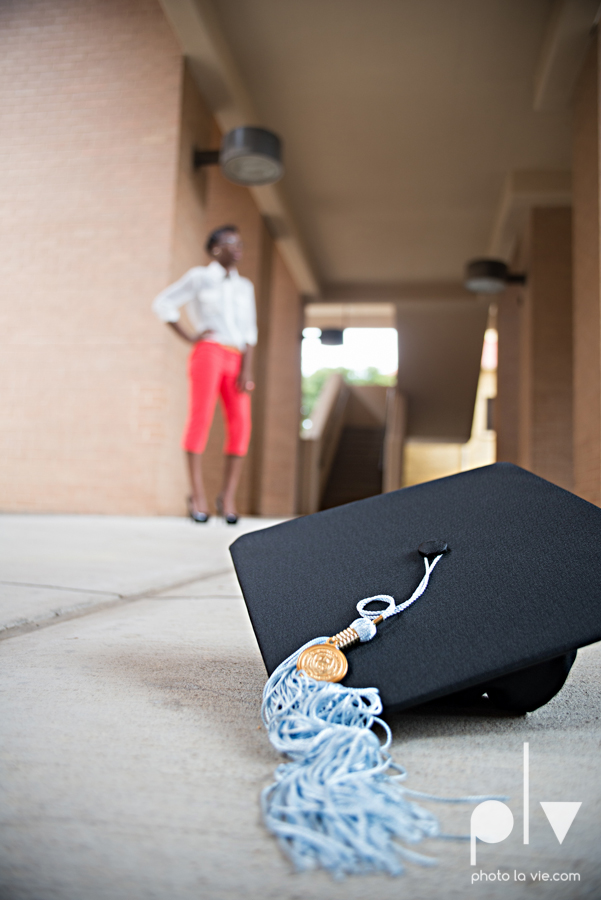 Nyeisha Graduation Portrait Session coral cap gown campus UTA texas Photo La Vie by Sarah Whittaker-20.JPG