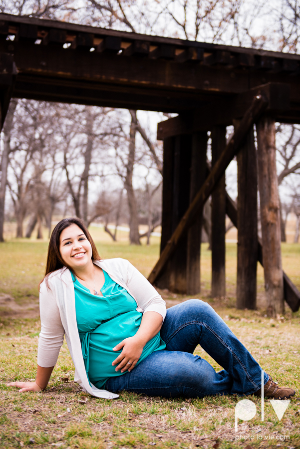 Valdez family maternity mini portrait session Fort Worth Trinity park outdoor track train spring baby brother Sarah Whittaker Photo La Vie-3.JPG