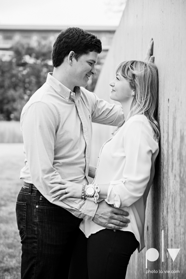 Shonnah Dan engagement portrait session fort worth the modern kimball piano art museum texas spring urban Sarah Whittaker Photo La Vie-2.JPG