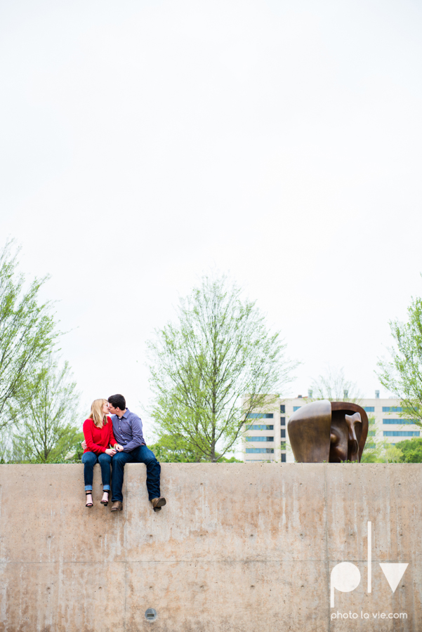 Shonnah Dan engagement portrait session fort worth the modern kimball piano art museum texas spring urban Sarah Whittaker Photo La Vie-8.JPG
