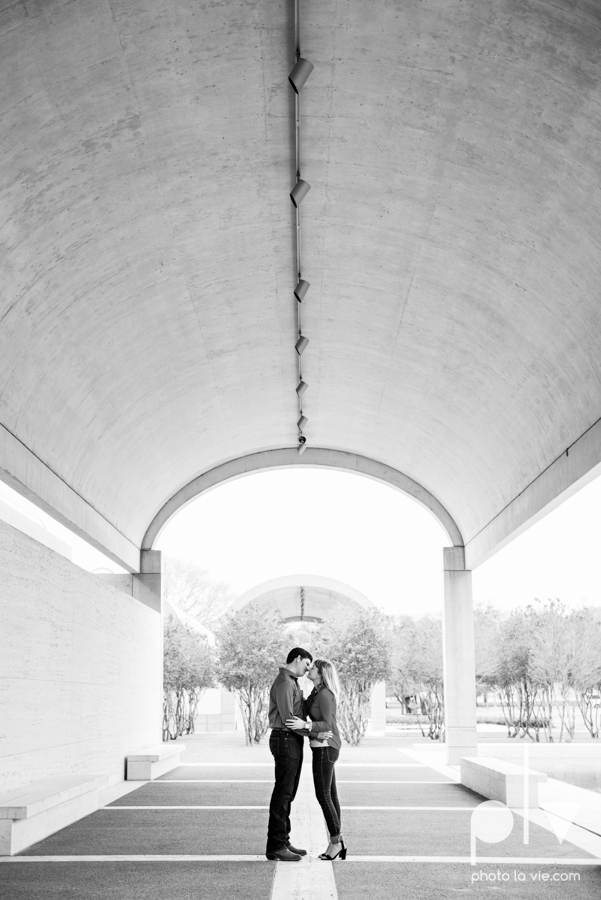 Shonnah Dan engagement portrait session fort worth the modern kimball piano art museum texas spring urban Sarah Whittaker Photo La Vie-9.JPG