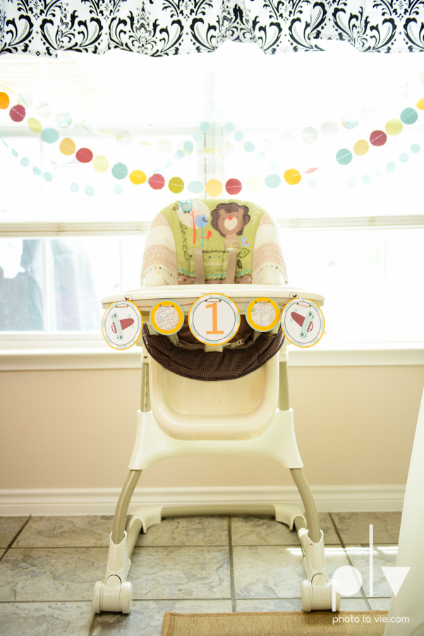 Dainty Dahlias first birthday baby boy airplane maps banners event Photo La Vie-22.JPG