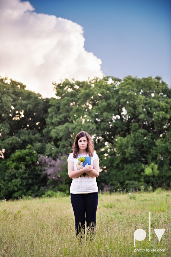 Senior Portrait session karah Woods Chapel vintage white girl texas Oliver Park nature field tree log pond worship sing Sarah Whittaker Photo La Vie-17.JPG