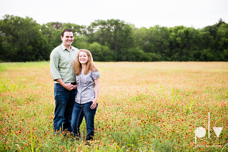 Latoya Andrew engagement session Penn Farm Cedar Hill State Park house barn wildflowers summer Sarah Whittaker Photo La Vie-6-2.JPG