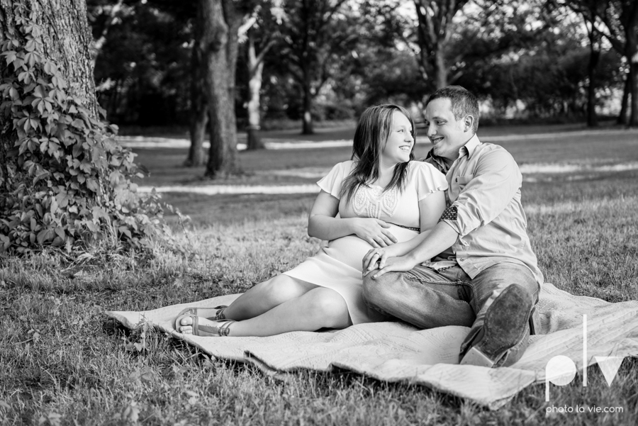 Brittany Garrett Baby Maternity couple Oliver Nature Park texas boy shoes Sarah Whittaker Photo La Vie-2.JPG