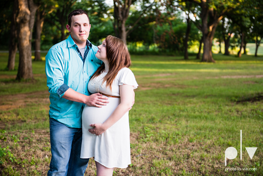 Brittany Garrett Baby Maternity couple Oliver Nature Park texas boy shoes Sarah Whittaker Photo La Vie-3.JPG
