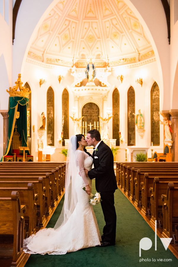Fort Worth DFW Wedding photography downtown St Patricks Cathedral Ettas Place The Reata Rooftop Lip Service Creme de le Creme lace gold Sarah Whittaker Photo La Vie-42.JPG