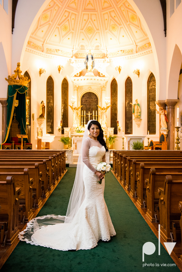 Fort Worth DFW Wedding photography downtown St Patricks Cathedral Ettas Place The Reata Rooftop Lip Service Creme de le Creme lace gold Sarah Whittaker Photo La Vie-44.JPG