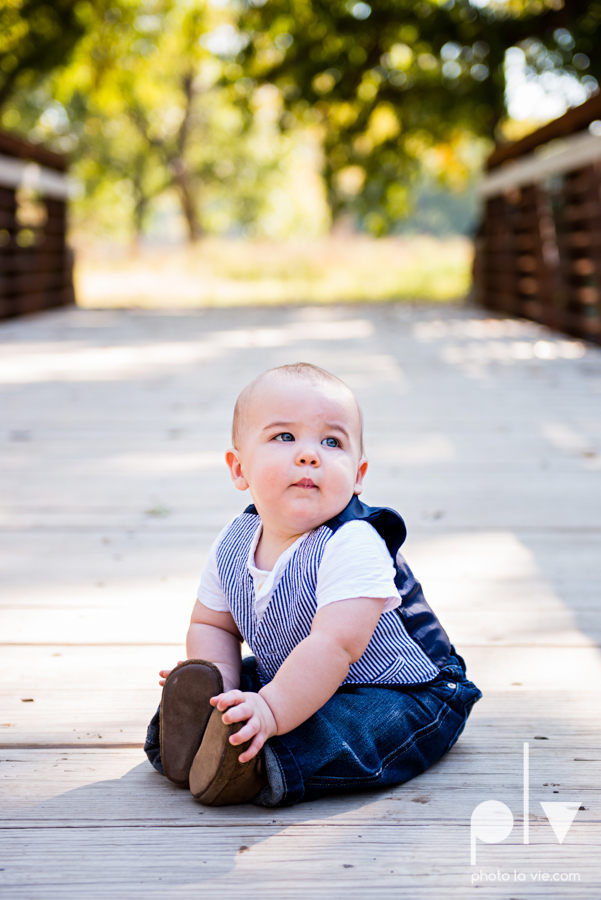 Fall Mini Session October Oliver Nature Park Center Mansfield Texas bridge outdoors kids Sarah Whittaker Photo La Vie-6.JPG