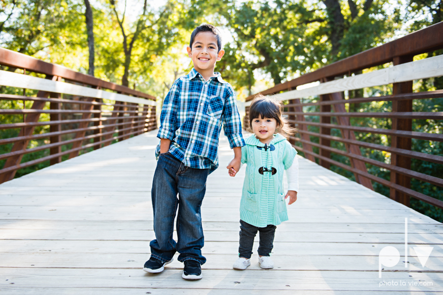 Fall Mini Session October Oliver Nature Park Center Mansfield Texas bridge outdoors kids Sarah Whittaker Photo La Vie-1.JPG