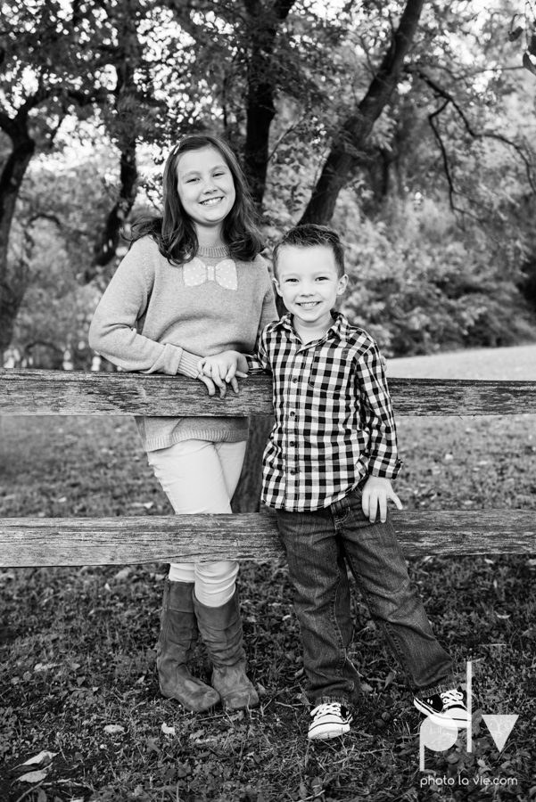 Fall Autumn mini sessions photography portrait family Fort Worth DFW Texas Van Zandt Cottage outdoors trees field fence Sarah Whittaker Photo La Vie-7.JPG