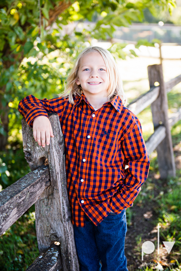 Fall Autumn mini sessions photography portrait family Fort Worth DFW Texas Van Zandt Cottage outdoors trees field fence Sarah Whittaker Photo La Vie-3.JPG