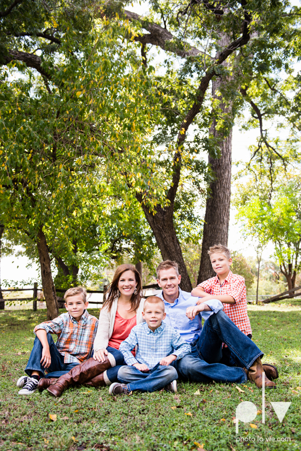 Fall Autumn mini sessions photography portrait family Fort Worth DFW Texas Van Zandt Cottage outdoors trees field fence Sarah Whittaker Photo La Vie-9.JPG
