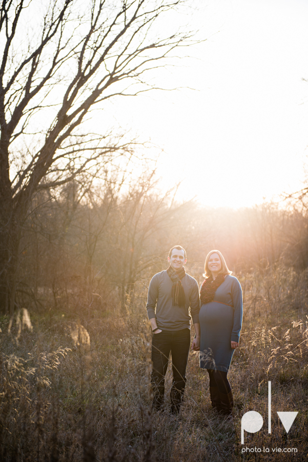kimball Olive Park Texas DFW maternity mini session photography girl baby bump winter outdoors fall field trees sunset backlit back lighting shoes rings walk sun lens flare Sarah Whittaker Photo La Vie-4.JPG