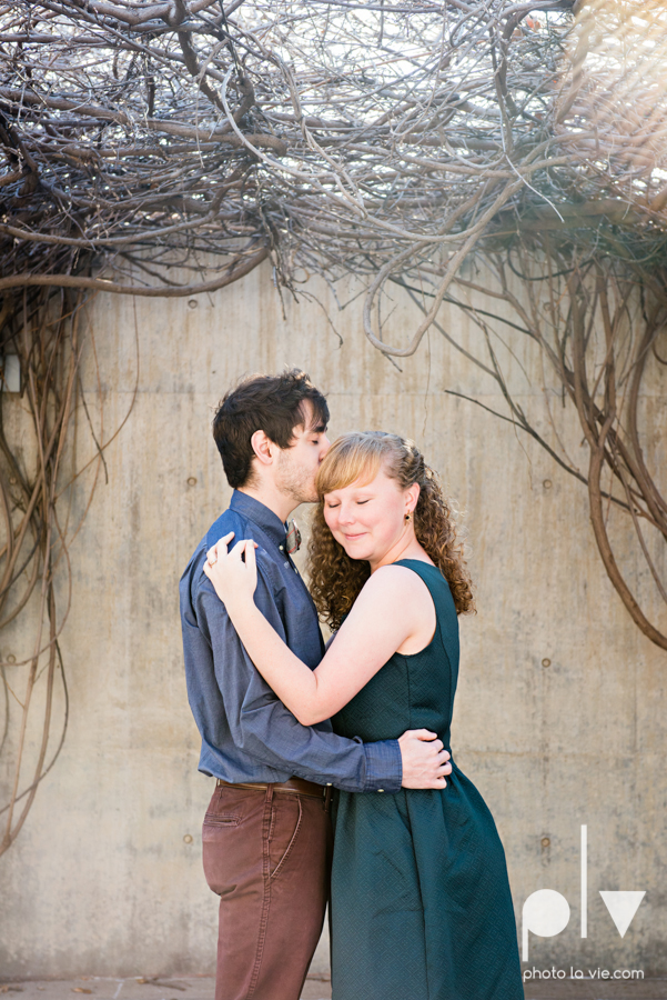 Marie Cord Fort Worth Engagement session Modern Art Museum Kimbell Piano architecture downtown urban wall wedding Sarah Whittaker Photo La Vie-5.JPG