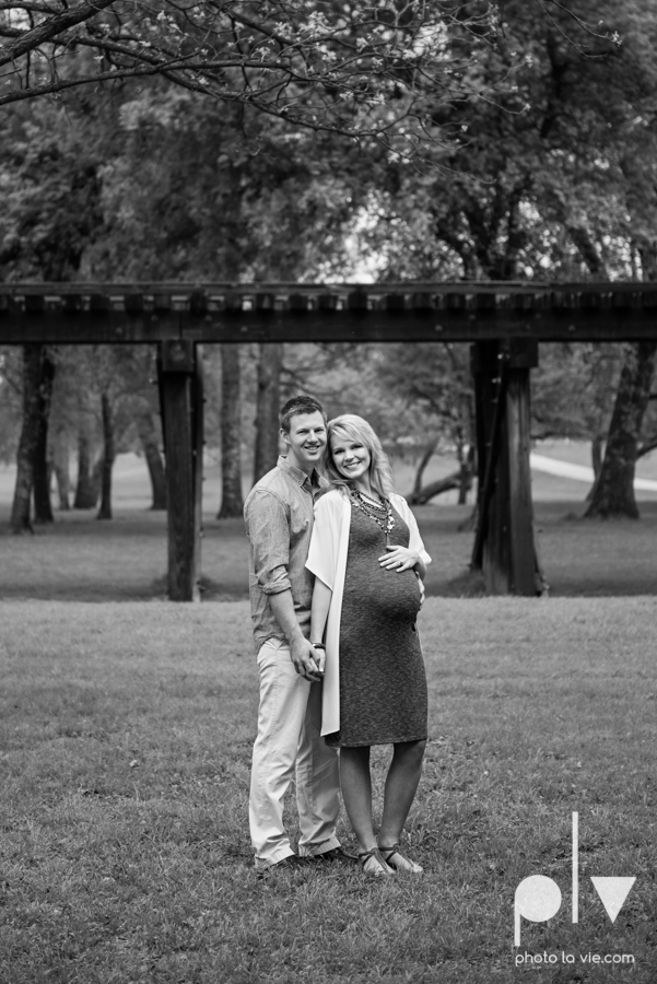 Dickard mini maternity session blue boy conrad outdoors Trinity Park spring summer tree field train tracks blur baby Sarah Whittaker Photo La Vie-1.JPG