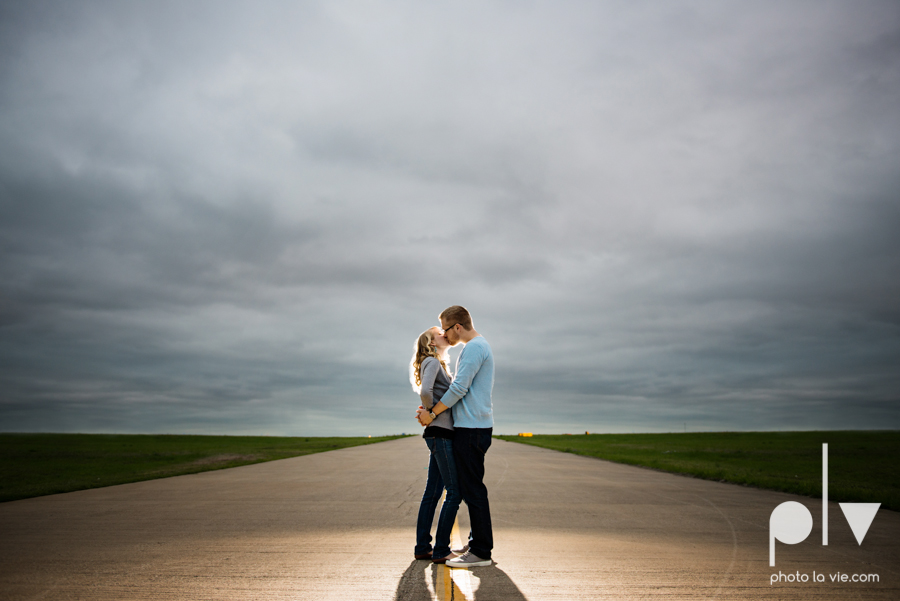 Allison JT engagement session Arlington Texas airport plane runway spring summer outdoors blue couple wedding DFW Dallas Fort Worth Sarah Whittaker Photo La Vie-8.JPG