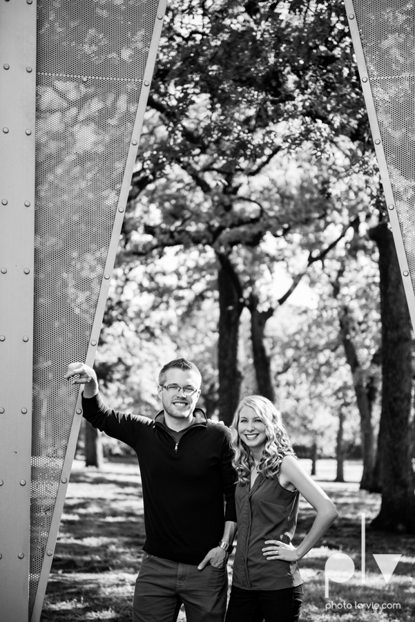 Allison JT wedding engagement session Dallas Texas Tx opportunity park pavilion architecture spring summer outside outdoors trees green modern Sarah Whittaker Photo La Vie-7.JPG
