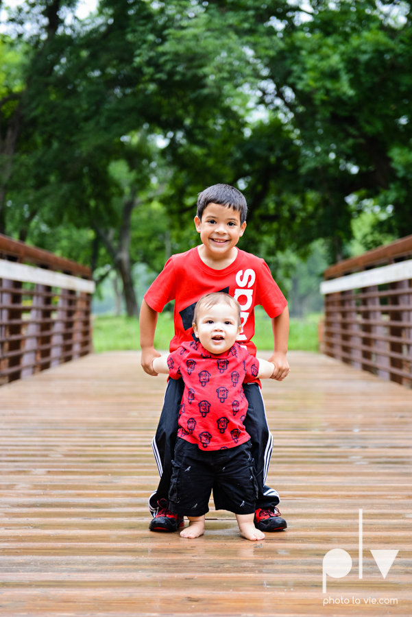 Valdez family mini session Mansfield DFW TX Oliver Nature Park spring outdoors bridge boys Sarah Whittaker Photo La Vie-6.JPG