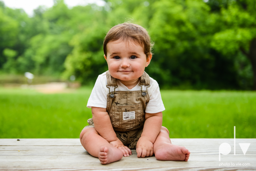 Boy turns 1 one mansfield texas oliver nature park blue blanket trees outdoors Sarah Whittaker Photo La Vie-6.JPG