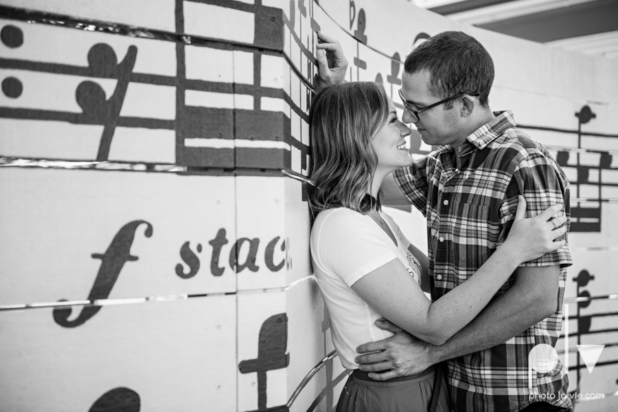 kate jeff engagement photo session dallas texas bishop arts district oak cliff park emporium pies urban walls trees ring french Sarah Whittaker Photo La Vie-5.JPG