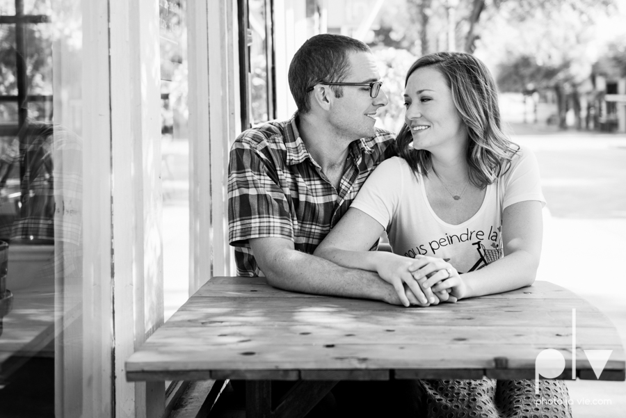 kate jeff engagement photo session dallas texas bishop arts district oak cliff park emporium pies urban walls trees ring french Sarah Whittaker Photo La Vie-16.JPG