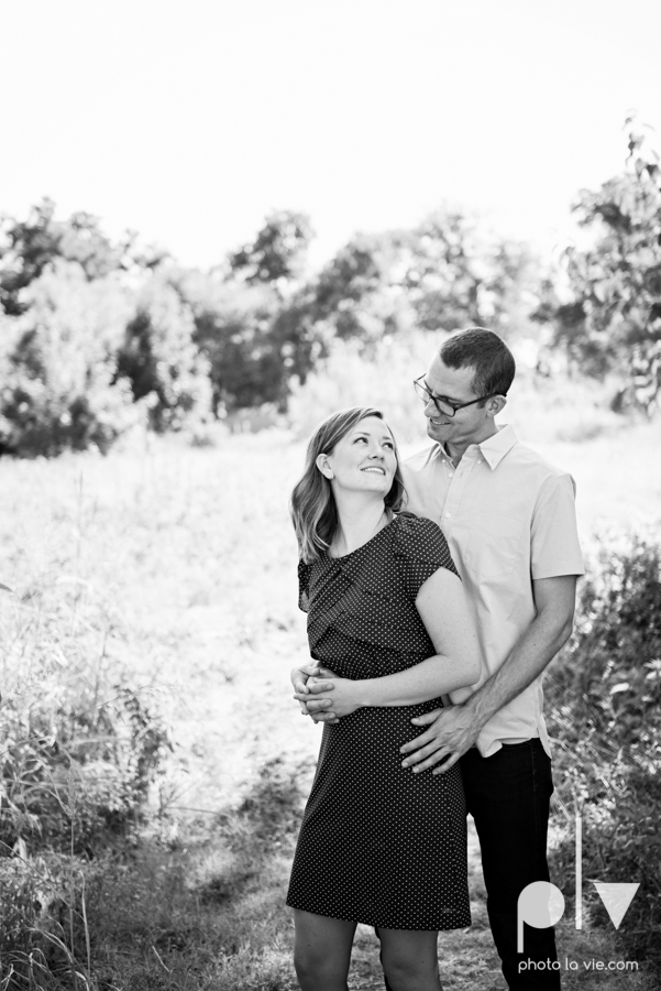 kate jeff engagement photo session dallas texas bishop arts district oak cliff park emporium pies urban walls trees ring french Sarah Whittaker Photo La Vie-19.JPG
