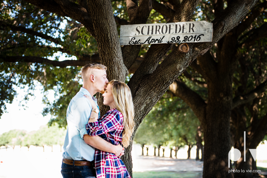 Alissa Adam Fort Worth Engagment Session Trinity River Joe T Garcias restaurant patio bridge fall outdoors texas couple adorable modern plaid Sarah Whittaker Photo La Vie-9.JPG