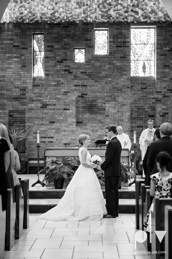 LindsayJohn Wedding Fort Worth catholic country green navy Photo La Vie-22.JPG