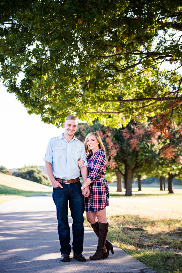 Photo La Vie Sarah Whittaker Fort Worth Trinity River Engagement Session Fall Summer Joe T Garcias Texas couple-1.JPG