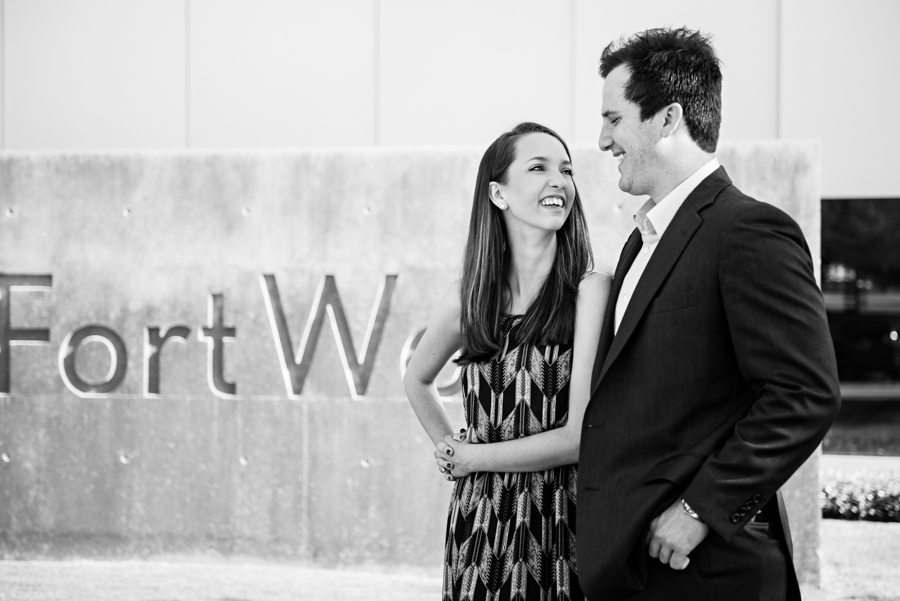 Photo La Vie Sarah Whittaker wedding photographer engagement photography DFW Dallas Fort Worth downtown sundance square fort worth modern art museum couple summer-3.JPG