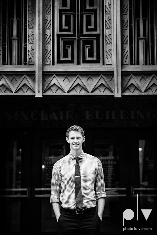 Twin gingers red hair head boys brothers senior photos fort worth downtown sundance square trinity park T&P building Sarah Whittaker Photo La Vie-5.JPG