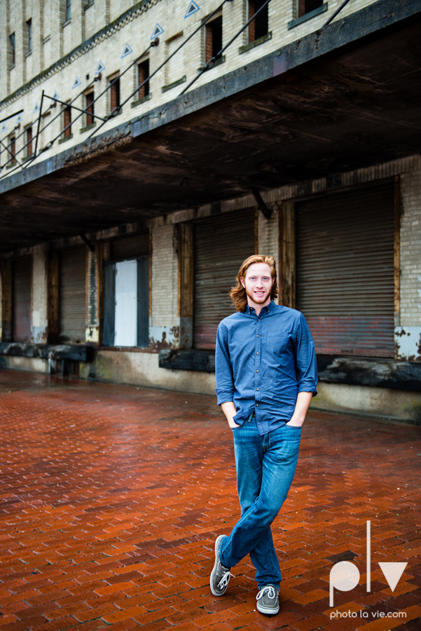 Twin gingers red hair head boys brothers senior photos fort worth downtown sundance square trinity park T&P building Sarah Whittaker Photo La Vie-12.JPG
