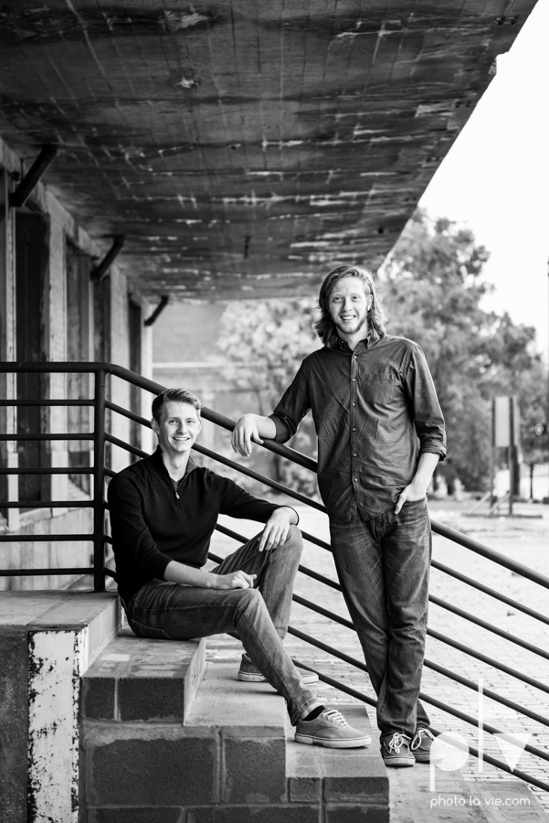 Twin gingers red hair head boys brothers senior photos fort worth downtown sundance square trinity park T&P building Sarah Whittaker Photo La Vie-19.JPG