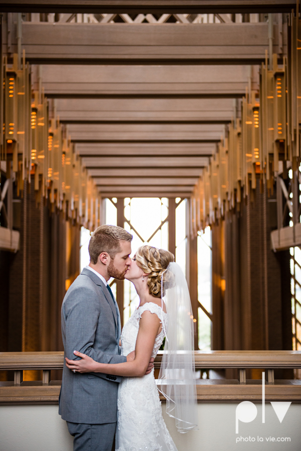 Allison JT Fort Worth Wedding DFW Marty Leonard Chapel November fall autumn Marquis  on Magnolia purple gray architecture lace Sarah Whittaker Photo La Vie-39.JPG