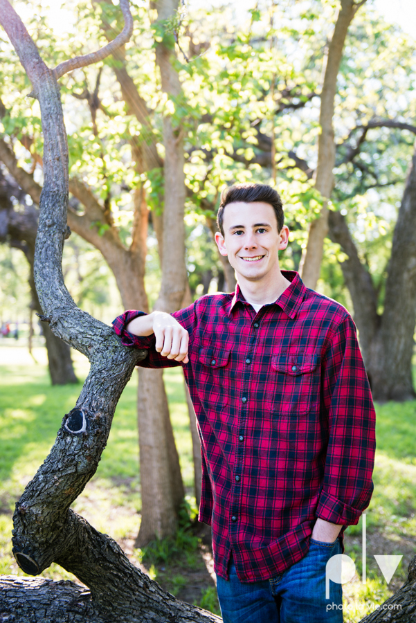 Colin Senior session portraits downtown fort worth T&P station Trinity Park DFW boy Mansfield high school band urban walls light trees outdoors sarah whittaker Photo La Vie-4.JPG