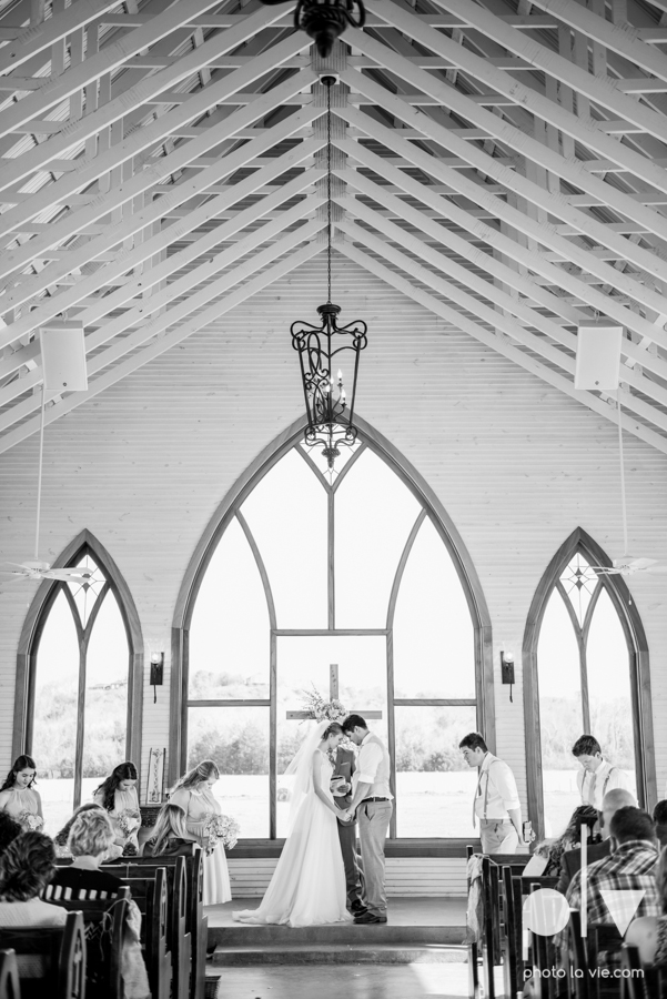 demi keith wedding married the brooks at weatherford texas dfw lace outdoor cow spring summer Sarah Whittaker Photo La Vie-51.JPG