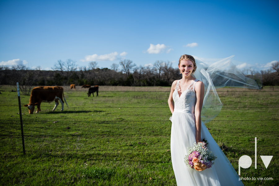 demi keith wedding married the brooks at weatherford texas dfw lace outdoor cow spring summer Sarah Whittaker Photo La Vie-57.JPG