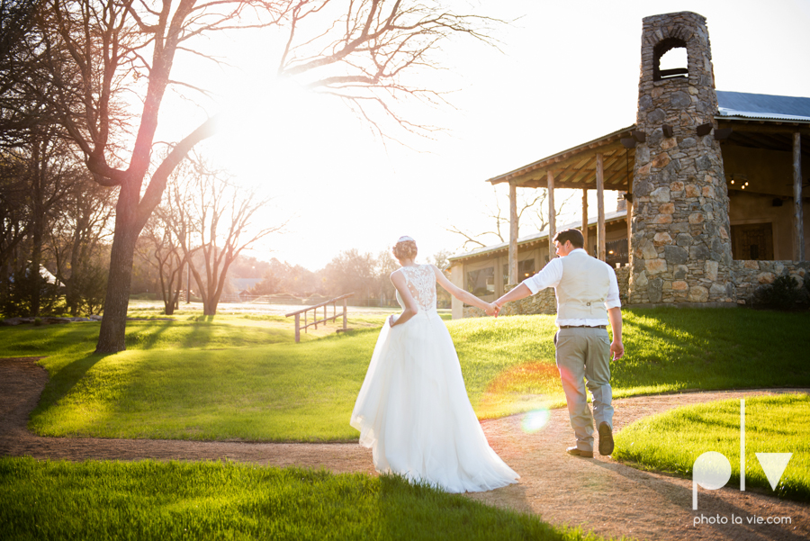 demi keith wedding married the brooks at weatherford texas dfw lace outdoor cow spring summer Sarah Whittaker Photo La Vie-65.JPG