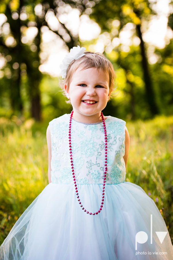 sisters girls children siblings mansfield texas park oliver nature spring mini session Sarah Whittaker Photo La Vie-1.JPG